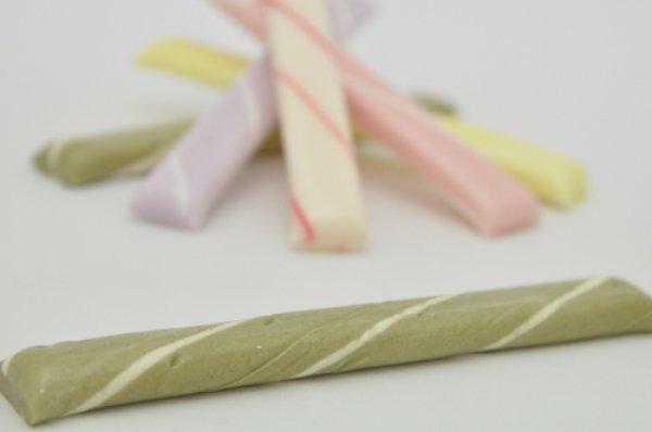 画像1: 千歳飴 1本 緑 抹茶味 透明袋 個別包装 七五三 京都 (1)